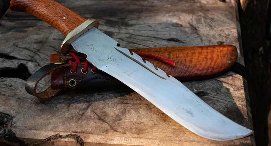 bowie-knife