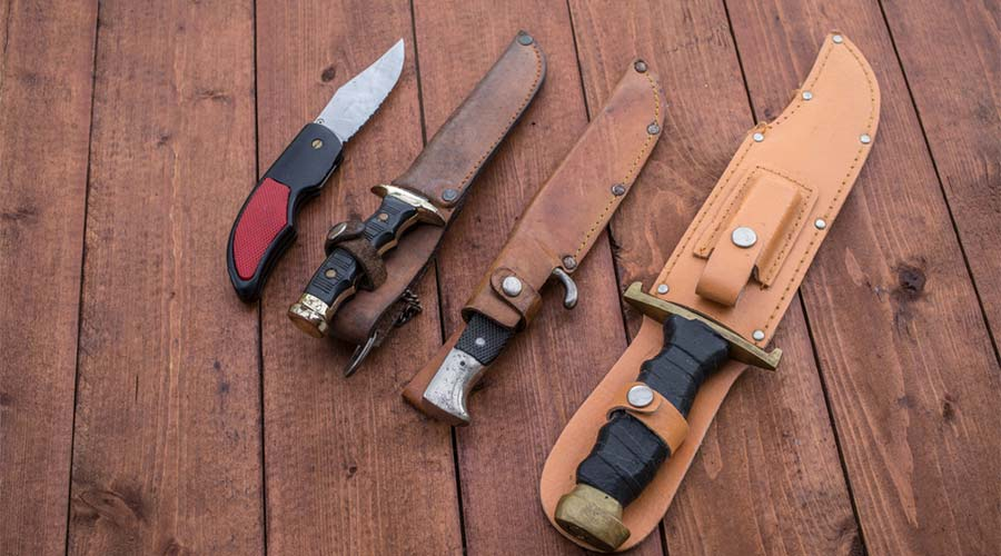 bowie-knife-vs-hunting-knife